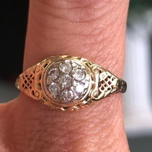 14k Gold Round Diamond Cluster Ring